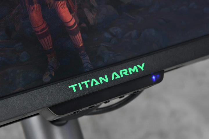 TitanArmy_C49SH_04.jpg