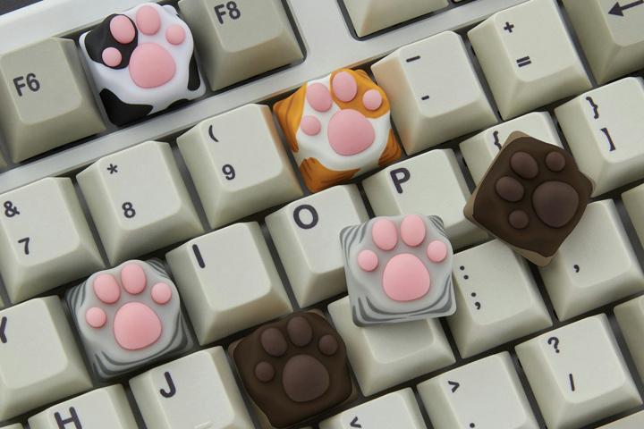 ZOMO_New_Cat_Paw_KeyCAP_01.jpg