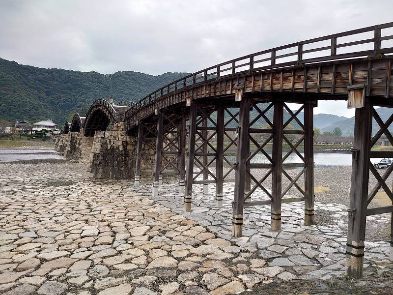 「錦帯橋(山口県岩国市)」山口の観光名所!日本三大名橋の5径間木造アーチ橋