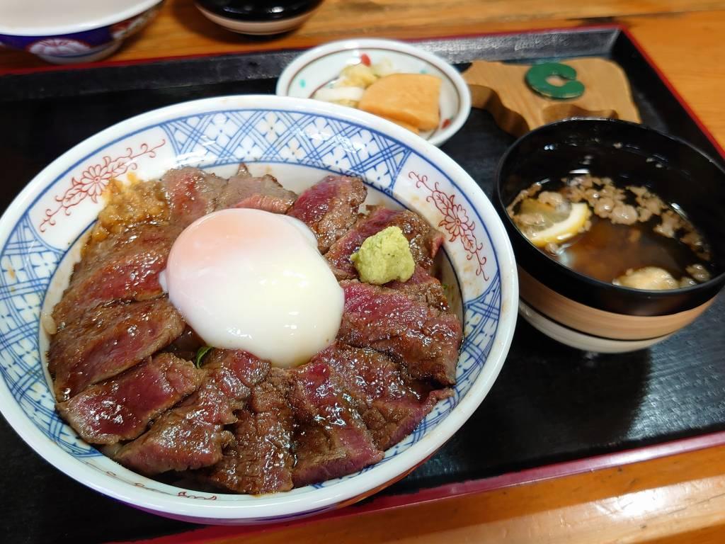 「いまきん食堂(熊本県阿蘇市)」行列も納得のジューシーさっぱりあか牛丼!