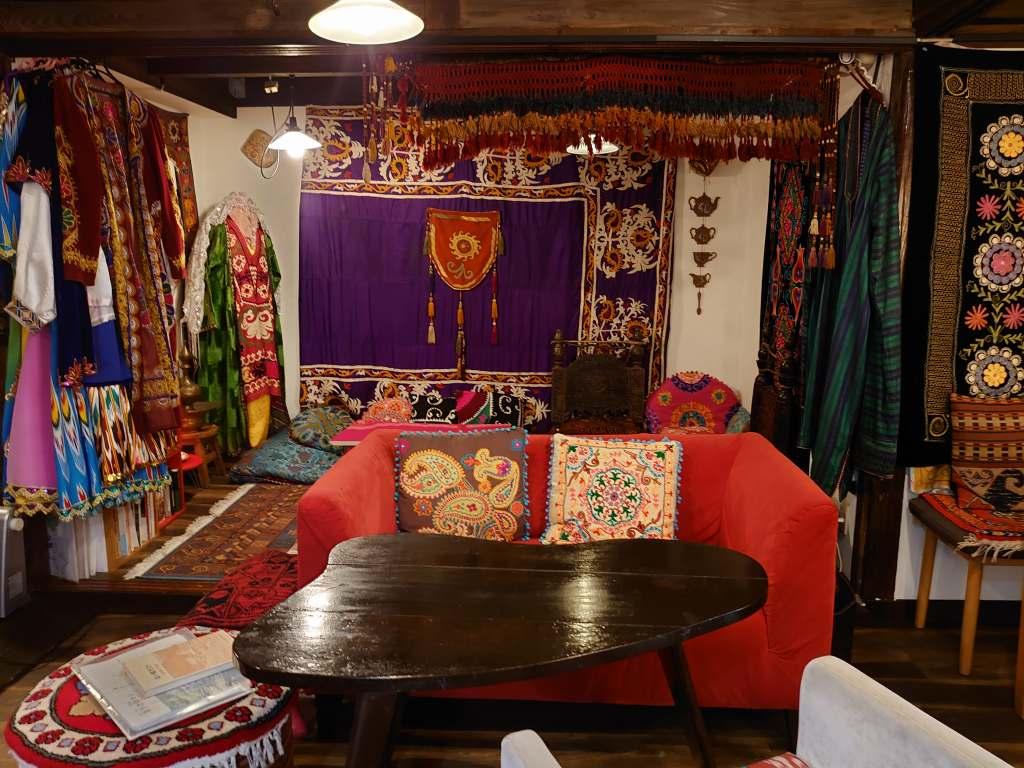 「古民家チャイハナ グリシェンカフェ(北九州市門司区)」豊富な話題と異国情緒のランチタイム