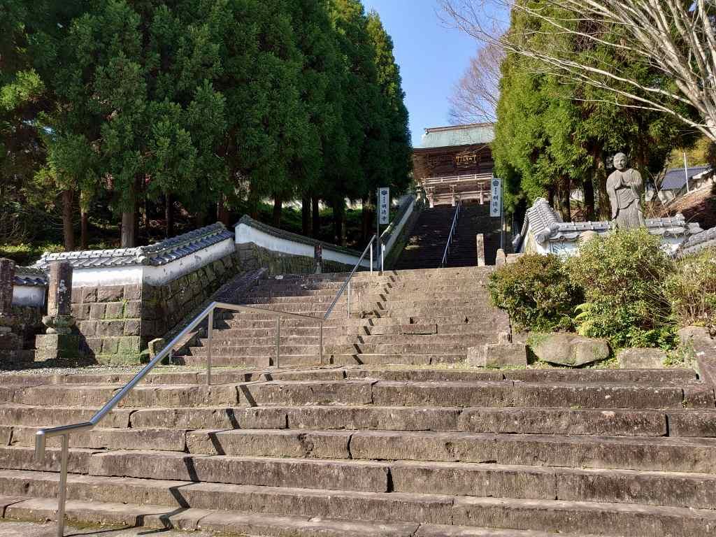 「明徳寺(熊本県天草市)」キリシタン館からすぐ!異人地蔵・山門・本堂