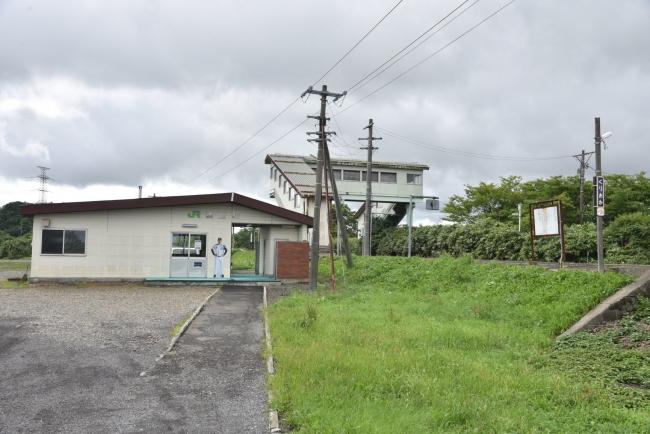 11栗丘駅遠景