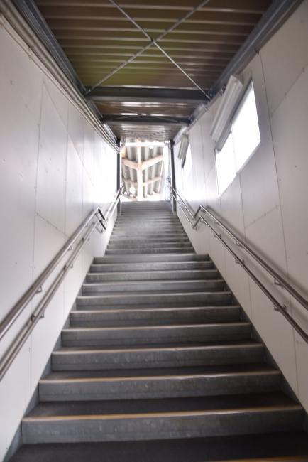 261旭川四条駅階段